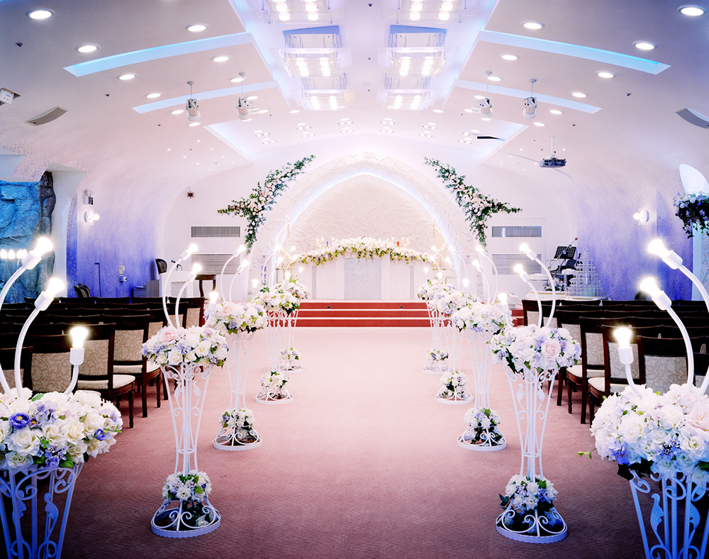 ⓒ신은경, Wedding Hall, Wedding Castle, Digital C-Print, 120x150cm, 2005